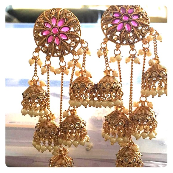 Gold and pink Indian traditional jumkha earrings